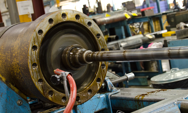 Hydraulic Cylinder Repair Services at Hydraulic Repair and Design - Honing a Hydraulic Cylinder